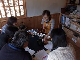 清水区両河内 豊好園で比べてみよう!個性豊かな品種茶(静岡市) 2011.11.13 その1