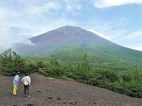 【頂上を目指さない富士山ツアー2018】夏の御中道ハイキング