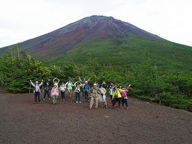 【頂上を目指さない富士山ツアー2019】夏の...