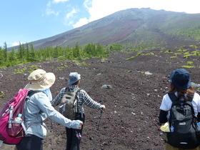 【頂上を目指さない富士山ツアー2019】夏の御中道ハイキング